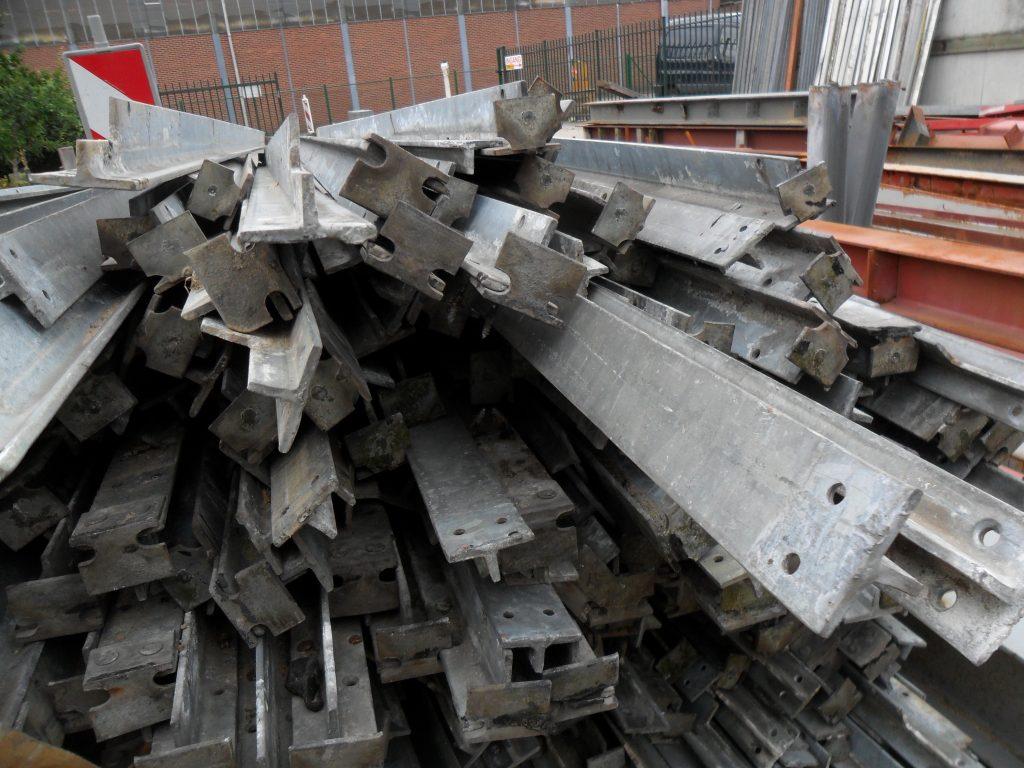 Verzinkt stalen T ijzer profielen  Hovensbouwservice # Ijzeren Wasbak_235644